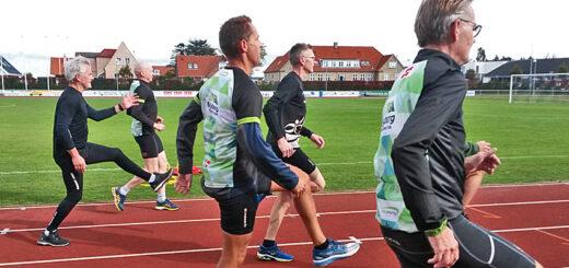 Løbekursus i Idrætsparken med træning på 400-meterbanen